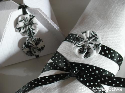 petites fleurs en tissu voir. Black Bedroom Furniture Sets. Home Design Ideas