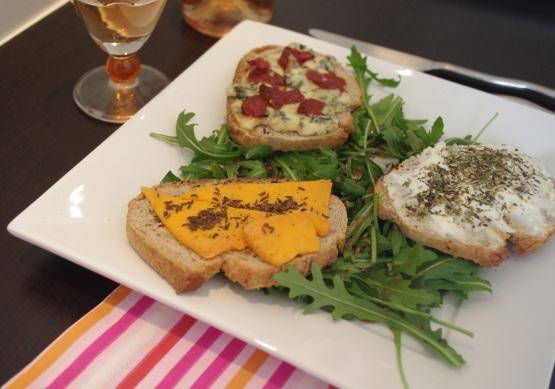 Petites tartines rigolotes aux 3 fromages