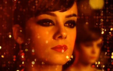 Alizée ... Méconnaissable dans son nouveau clip Never Leave You (vidéo)