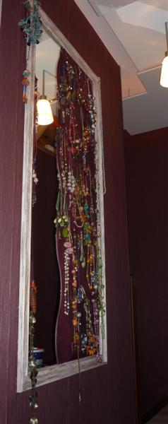 Id e bricolage un pr sentoir colliers avec miroir voir for Miroi log in