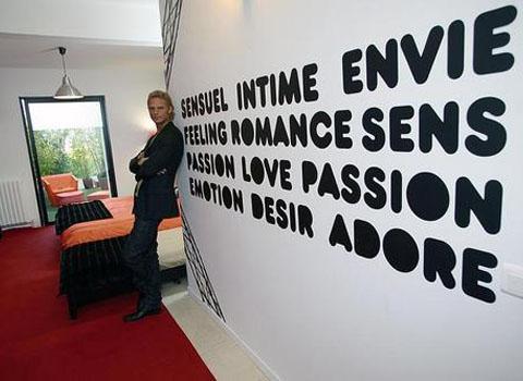 l 39 amour est aveugle la maison de l 39 mission en vi o voir. Black Bedroom Furniture Sets. Home Design Ideas