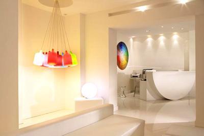 Color design hotel d couvrir for Color design hotel