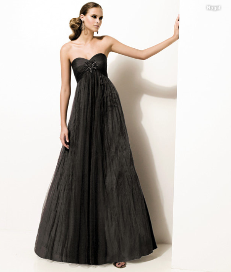 robe2011 robes-soiree-pronovias-2011-L-3.png