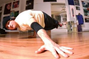 lazy-legz-breaker-ill-matic-bequille-breakdance-breakdancing-hiphop