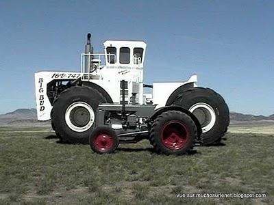 le plus grand tracteur du monde