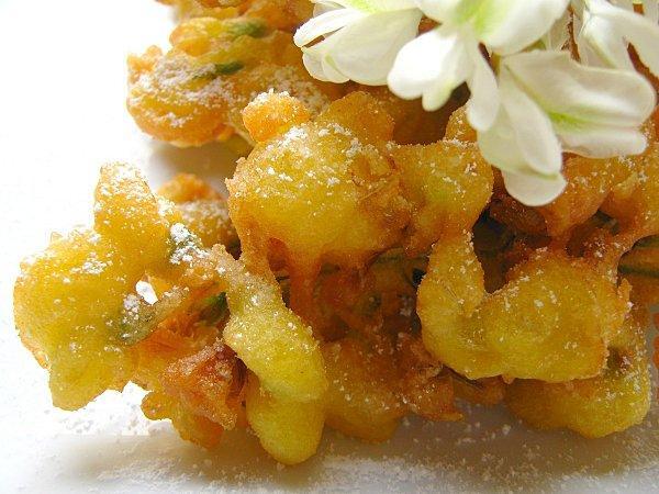 beignets de fleurs d'acacia | À découvrir