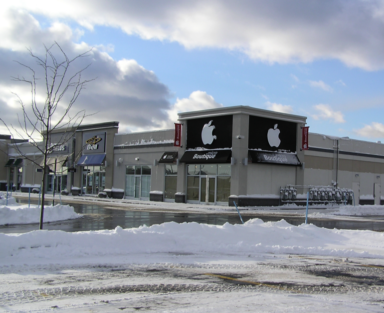Boutique Apple à Brossard au Quartier Dix30