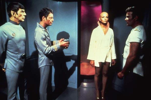 http://media.paperblog.fr/i/323/3237982/test-blu-ray-star-trek-film-1979-chewie-L-4.jpeg