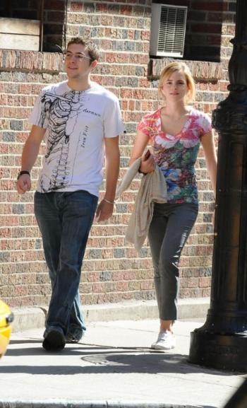 Emma Watson et Roberto Agnillera dans les rues de New-York