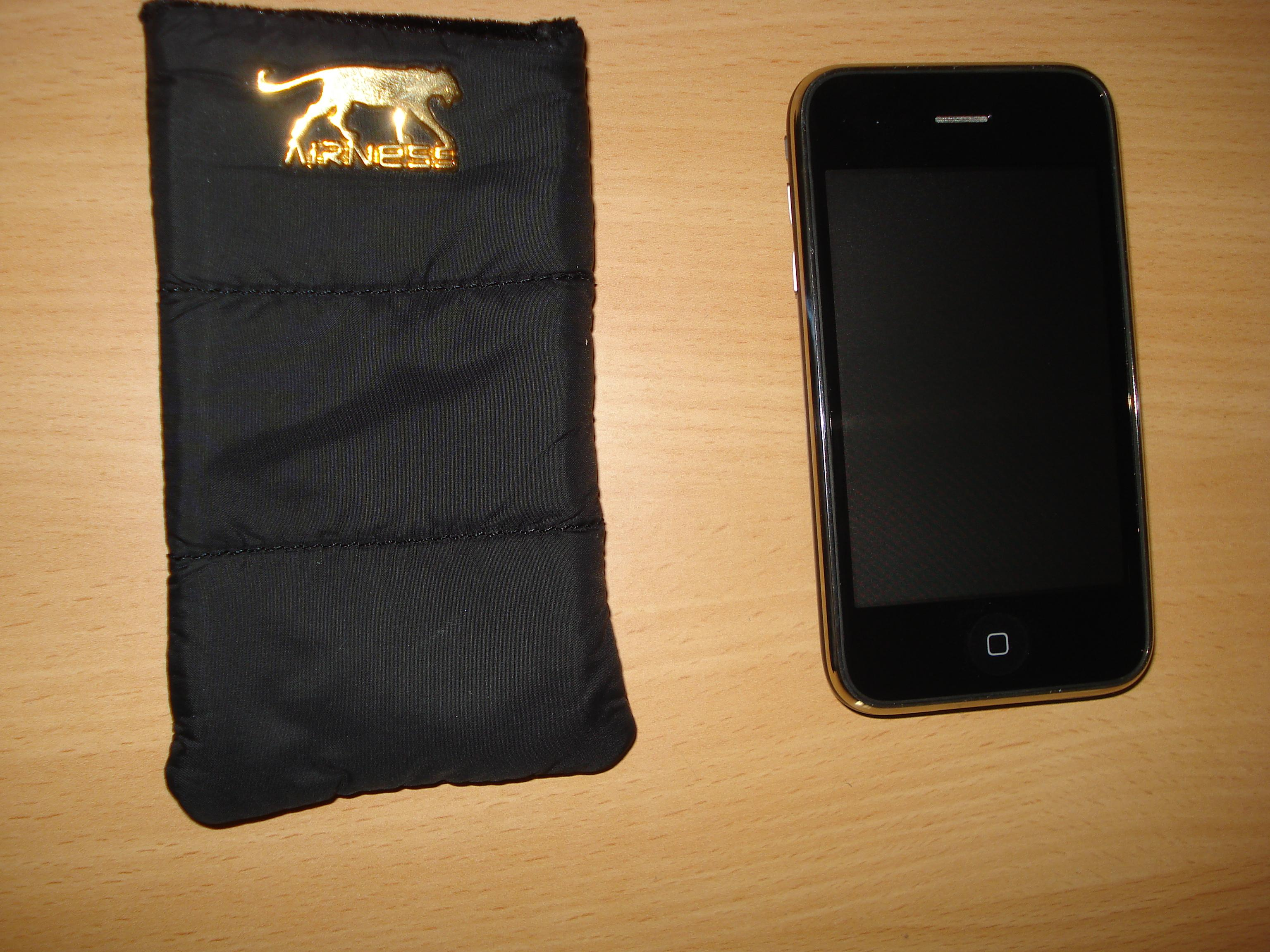 Test etui airness pour iphone et ipod touch d couvrir for Housse ipod touch
