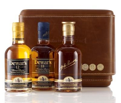 f te des p res id e cadeau coffret whisky dewars voir. Black Bedroom Furniture Sets. Home Design Ideas