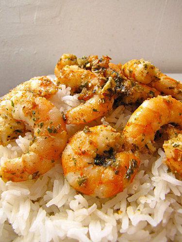 Riz aux crevettes sautees a l 39 ail paperblog - Cuisiner gambas surgelees ...