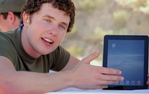 Un iPad ne résiste pas à une balle de sniper…