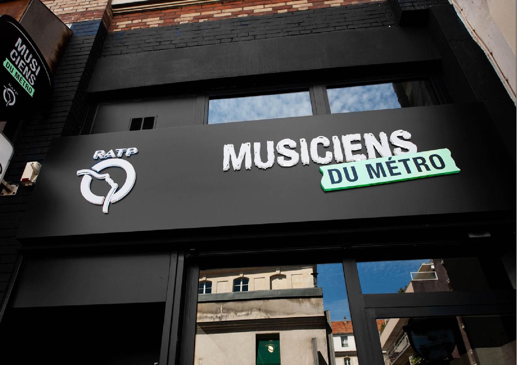 Les musiciens du métro se professionnalisent …