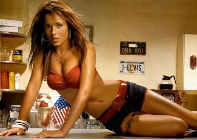 Cheryl Cole ... 50 Cent veut la pistonner