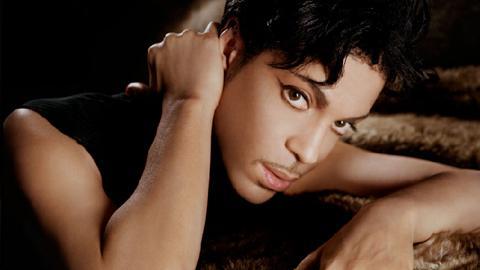 Prince ... Il reste plus longtemps que prévu en France