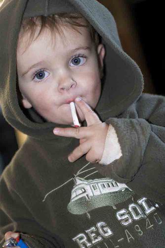 W-enfant-fume
