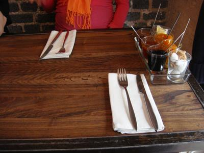 20100530 Le Vin%28gt%29 deux Brunch 0 table Brunch au Vin(gt) deux, rue Desnouettes (ChrisoScope)