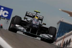 Rosberg : « Mercedes n'abandonnera 2010 ! »