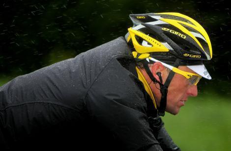 Armstrong et les réseaux sociaux...