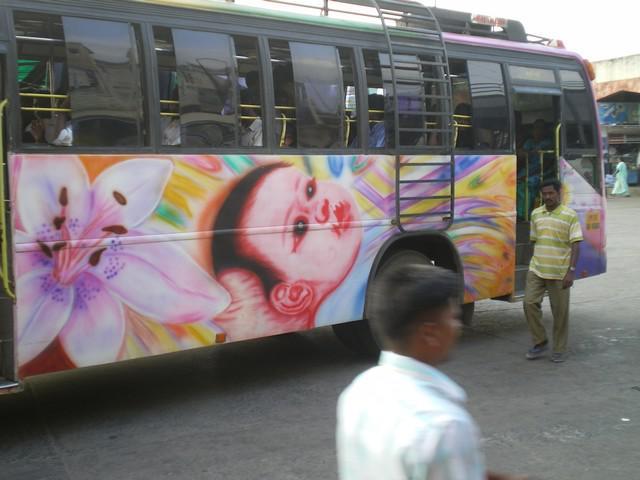 Un Dimanche Dans Les Bus Indiens