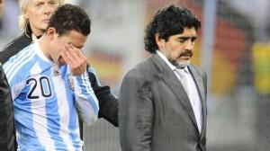 maradona triste1 300x168 Maradona: la plus difficile défaite de ma vie