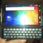 Smartphone Android HTC Vision avec clavier physique en photos