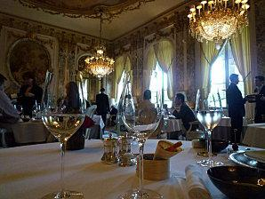 restaurant le meurice chef yannick all no d couvrir. Black Bedroom Furniture Sets. Home Design Ideas
