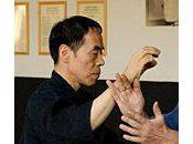 Yoshinori Kono l'anti-stage l'excellence