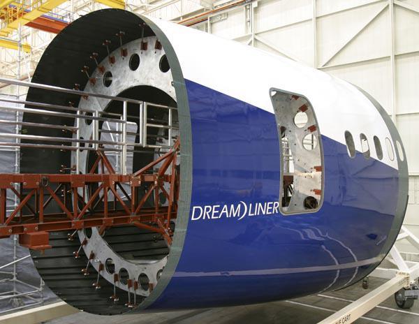 Le composite du Boeing 787 Dreamliner encore en question