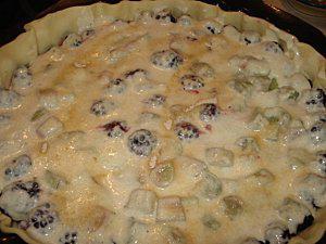 La-tarte-a-la-rhubarbe-et-aux-mures-3.jpg
