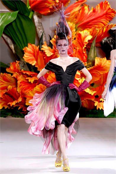♠ Défilé Haute Couture à Paris : Dior, j'adore, le pays des femmes tulipes ♠