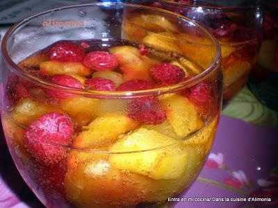 Frutas frescas en burbujas / Fruits rafraichis aux bulles