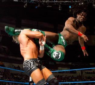 Kofi Kingston met à mal Dolph Ziegler