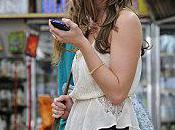 Ashley Greene sous soleil l'été