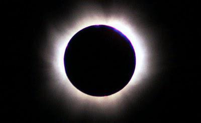 Milhares veem eclipse na Ilha de Páscoa