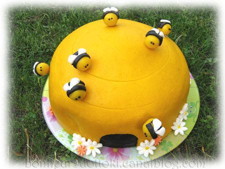 g teau 3d ruche et petites abeilles voir. Black Bedroom Furniture Sets. Home Design Ideas