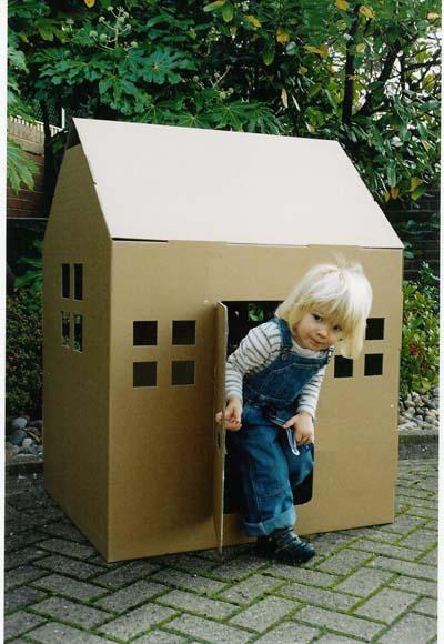 Jouets en carton paperblog - Maison enfant carton ...