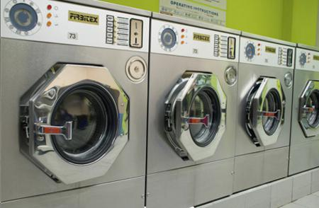 Moitié grâce à une chaussette oubliée dans une machine à laver
