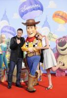 Frédérique Bel, Benoît Magimel et Woody à l'Avant-première de Toy Story 3 à Disneyland Paris