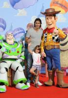 Robert Pires avec Buzz et Woody à l'Avant-première de Toy Story 3 à Disneyland Paris