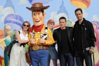 Frederique Bel, Benoît Magimel et Grand Corps Malade à l'Avant-première de Toy Story 3 à Disneyland Paris