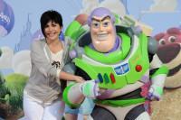 Liane Foly et Buzz à l'Avant-première de Toy Story 3 à Disneyland Paris