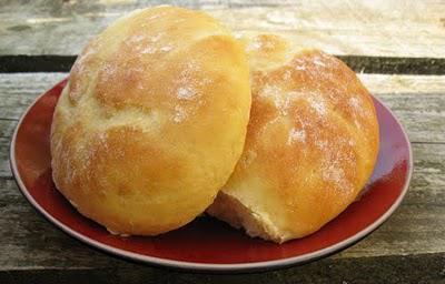 des petits pains au lait