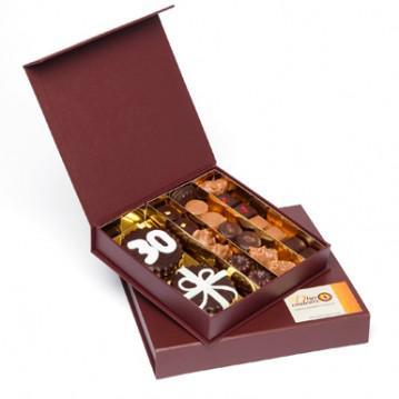 offrir des chocolats pour un anniversaire d couvrir. Black Bedroom Furniture Sets. Home Design Ideas