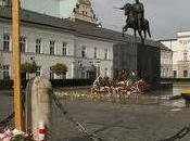 plupart Polonais veulent monument Palais présidentiel