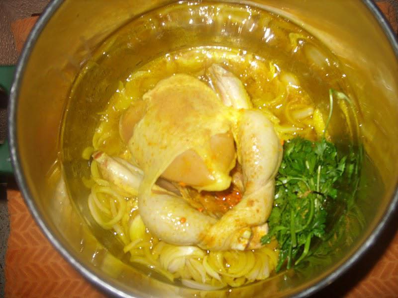 Couscous au poulet et tfaya/confit d'oignons