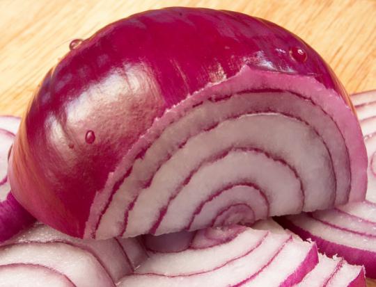 http://media.paperblog.fr/i/374/3748260/lutter-mauvais-cholesterol-avec-oignons-rouge-L-3.jpeg