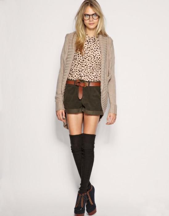 1b6a1f213b8 Longue chaussette avec jupe