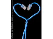 """Manuel Castells Internet """"Internet prolongement votre vie"""" personnes utilisent pour communiquer sont plus sociables"""
